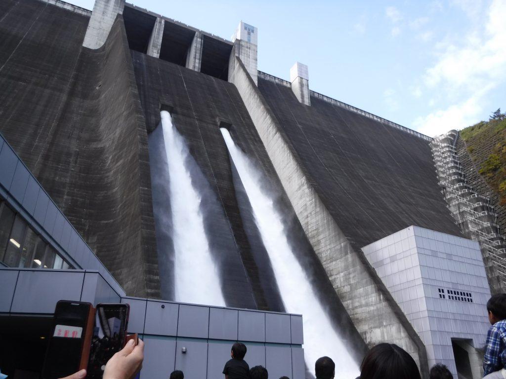 コロナ 宮ケ瀬 ダム
